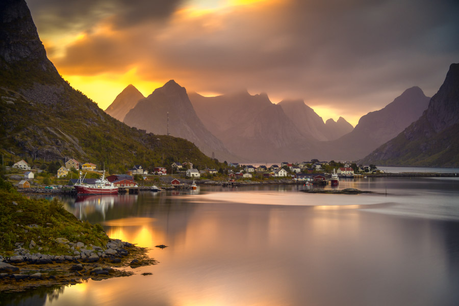 landscape-photography-sunset reine lofoten norway