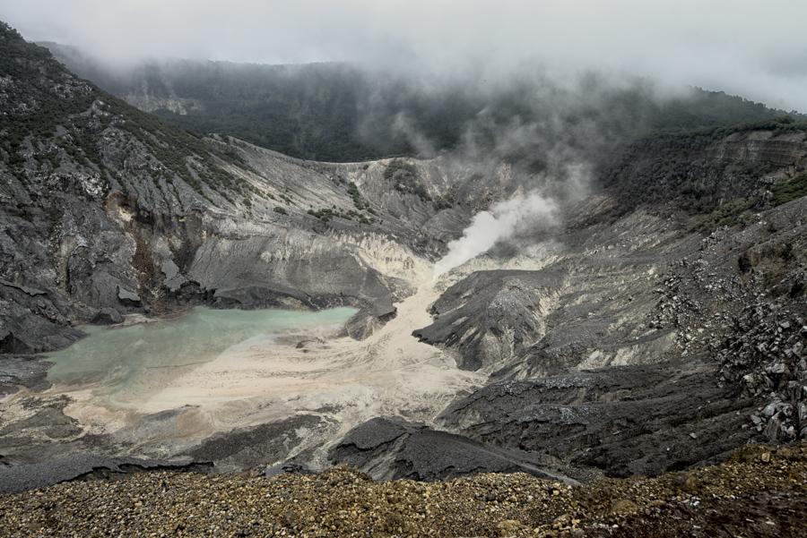 tangkubanperahu volcano indonesia